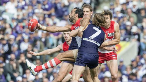 Fremantle book home prelim with tense win over gritty Swans