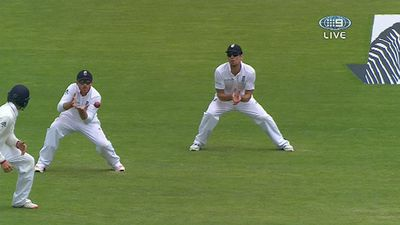 Ian Bell catches Steve Smith