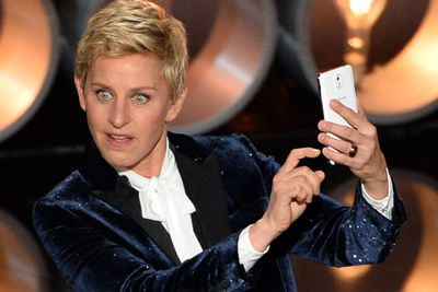 "Forget all the selfies - stars are starting to ditch their mobile phones at Hollywood parties.<br/><br/>""We have an electronics check-in system, a charging station. My charging station last year for the Governor's Ball at the Oscars, had waiting lists,"" Cheryl reveals. ""People are checking in their electronics, not only to charge their phones, but also to give themselves a break for a couple of hours.""<br/><br/>Image: Getty"