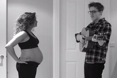 Pregnancy time-lapse song charms 3.8 million
