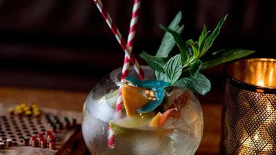 """Recipe:<a href=""""https://kitchen.nine.com.au/2017/12/01/09/07/gin-lane-fishbowl-gin-and-tonic-for-two"""" target=""""_top"""">Gin Lane's 'Fishbowl' G&T for two</a>"""