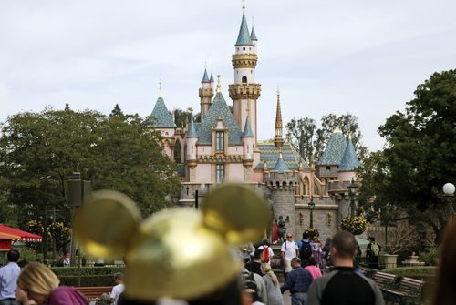Disneyland Pay Brings Complaint-From a Disney