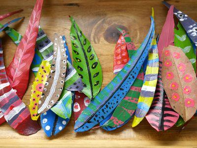 Painted leaf crowns