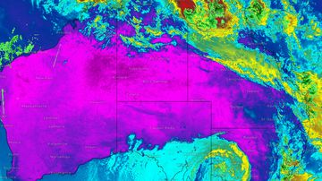 Cyclone to 'wreak havoc' with 280km/h winds and flooding rain