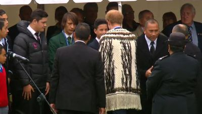 The traditional cloak was given to the royal on Stewart Island by the Ngai Tahu tribe. (9NEWS)