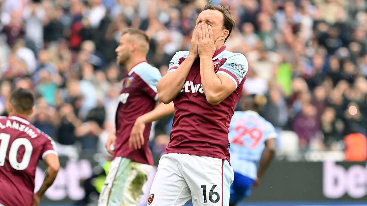 West Ham make controversial decision to sub on Mark Noble for penalty kick