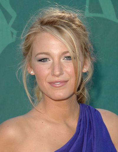 <p>The Town actress proved that a messy up-do, smokey eye and nude lip is always a winning beauty combination at the 2008 Nickelodeon Teen Choice Awards in Los Angeles.</p>