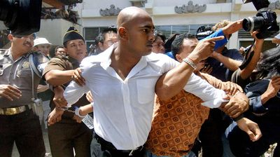<br>August 13, 2010: After expressing remorse and begging forgiveness for their crimes, Chan and Sukumaran lodged judicial reviews to have the death penalty overturned. The head of Kerobokan prison told the court Chan and Sukumaran had positively affected life in the prison, holding art and computer lessons for fellow inmates.<br>