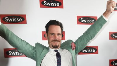"Actor Kevin Dillon brought some ""Drama"" to the Birdcage as he arrived in the Swisse marquee. (AAP)"