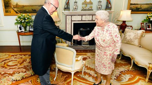 George Brandis met with the Queen at Buckingham Palace. (PA/AAP)