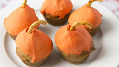 "Recipe: <a href=""http://kitchen.nine.com.au/2016/10/31/00/19/mini-pumpkin-cupcakes"" target=""_top"" draggable=""false"">Mini Pumpkin Cupcakes</a>"