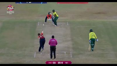 Anya Shrubsole hat-trick sends South Africa to World Twenty20 elimination