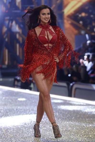 Irina Shayk, pregnant, runway, Victoria's Secret Fashion Show