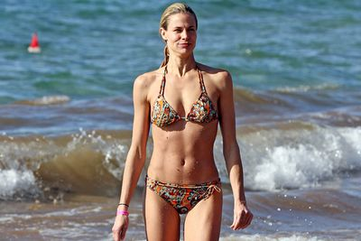 Brooke Burns flaunted her sizzling bod on Maui Island, Hawaii.