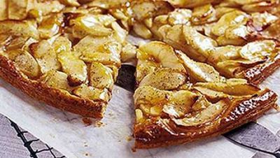 "<a href=""http://kitchen.nine.com.au/2016/05/18/01/58/apple-and-vanilla-tart"" target=""_top"">Apple and vanilla tart</a>"
