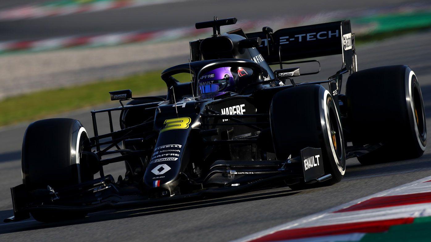 Daniel Ricciardo's new Renault debuts in testing, Aussie wears Kobe Bryant helmet