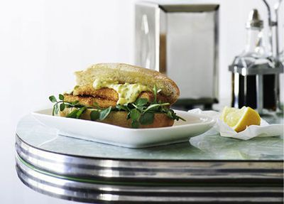 """<a href=""""http://kitchen.nine.com.au/2016/05/17/14/41/whiting-and-watercress-burgers"""" target=""""_top"""">Whiting and watercress burgers</a>"""