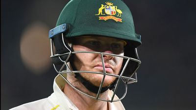 <strong>Steve Smith - 4</strong>