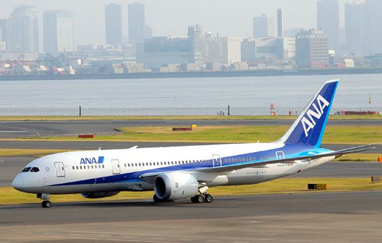 Japan's All Nippon Airways (ANA) Boeing 787 Dreamliner taxies to a tarmac upon arrival at Tokyo's Haneda International Airport. (AAP)
