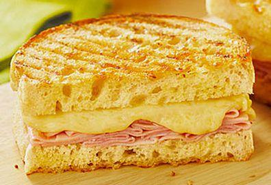 Coon cheese and ham toasted sandwich (Saputo)