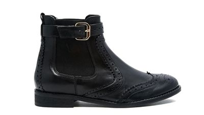 "<a href=""http://www.asos.com/carvela/carvela-slow-black-leather-brogue-flat-ankle-boots/prod/pgeproduct.aspx?iid=5164680""> Slow Black Leather Brogue Ankle Boot, $326.12, Carvela </a>"