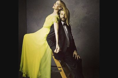 @vanityfair: Judd Apatow and Leslie Mann stop by the #VFoscars portrait studio. Photo by @markseliger. #oscars