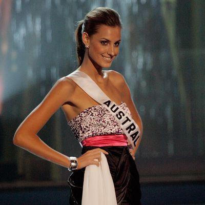 2008: Laura Dundovic