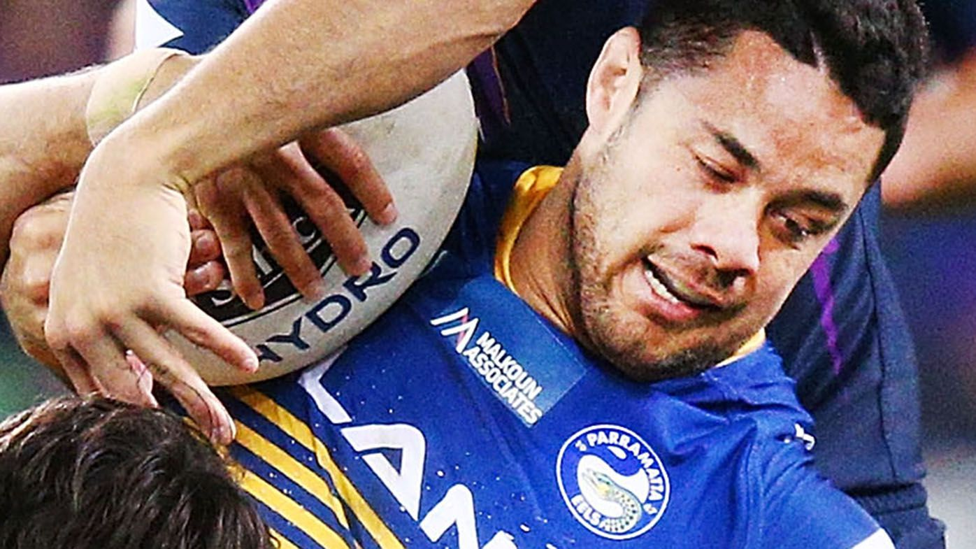 Jarryd Hayne due to sign $500,000 Dragons deal day he was charged with sexual assault