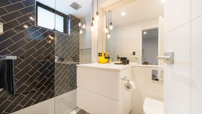 What you need to know about shower screens before a bathroom renovation