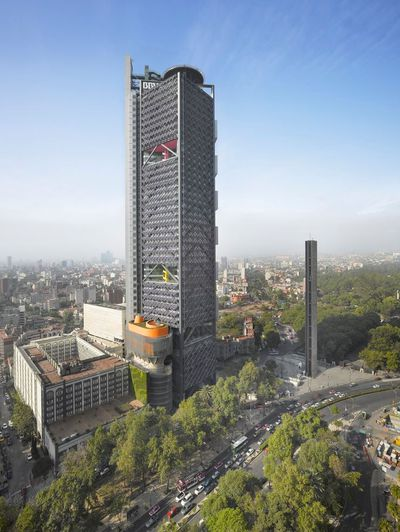 <strong>BBVA Bancomer Tower by Legorreta + Legorreta, Rogers Stirk Harbour + Partners</strong>