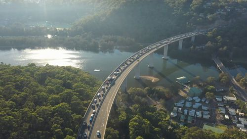 A dozen bottlenecks across greater Sydney are being targeted for improvements to shave valuable minutes off the peak-time commute.