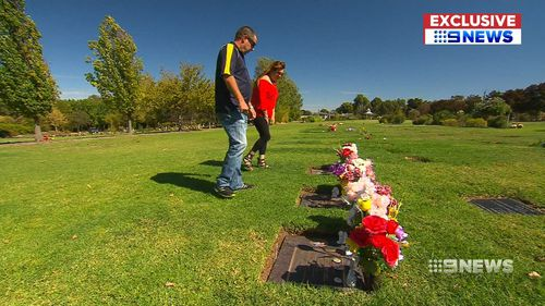 Steven Egberts and Janet Wells visit Enfield Memorial Park twice a week, to remember six-year Amber Rigney and five-year-old Korey Mitchell. (9NEWS)