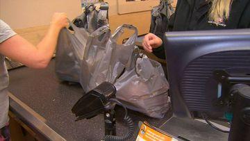 Bakers Delight joins plastic bag ban
