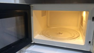 Natural cleaning method for your microwave.