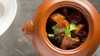 """Recipe:&nbsp;<a href=""""http://kitchen.nine.com.au/2016/05/05/13/56/shanghainese-braised-pork-belly"""" target=""""_top"""" draggable=""""false"""">Shanghainese braised pork belly</a>"""