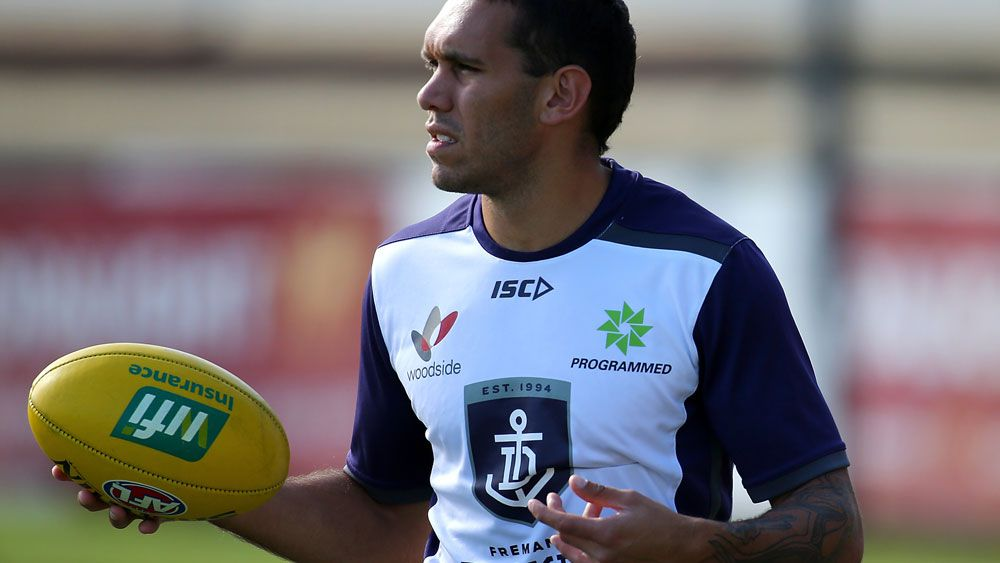 AFL 2017: Fremantle Dockers players Harley Bennell escorted from flight to Gold Coast