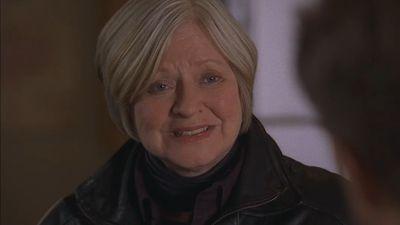 Debra Mooney as Edna Harper