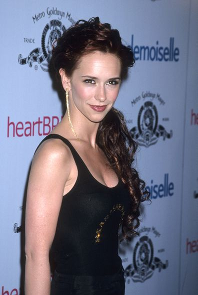 """Actress Jennifer Love Hewitt attends the """"Heartbreakers"""" Hollywood Premiere on March 19, 2001 at the El Capitan Theatre in Hollywood, California."""