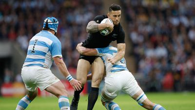<p>Sonny Bill Williams has had a ground-breaking career across three <br />sports and now the dual New Zealand international has picked his dream <br />team of players  that have left a lasting impression on him.</p><p >It's fair to say that the New Zealand superstar's picks are <br />controversial with no room for rugby league Immortal Andrew Johns or All<br /> Black greats Richie McCaw and Dan Carter.</p>