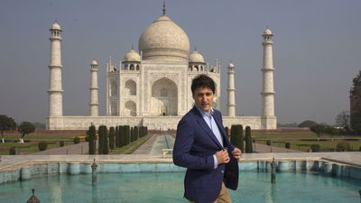"Justin Trudeau at the Taj Mahal, February 2018<span style=""white-space:pre;"">	</span>"