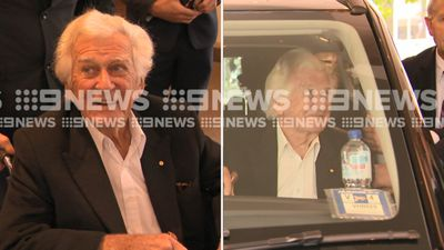 Recovering Bob Hawke takes jab at Malcolm Turnbull