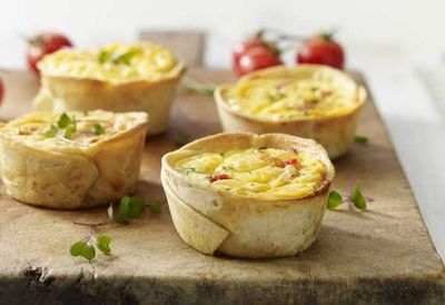 "<a href=""http://kitchen.nine.com.au/2016/05/20/11/09/egg-and-bacon-cups"" target=""_top"">Egg and bacon cups</a>"