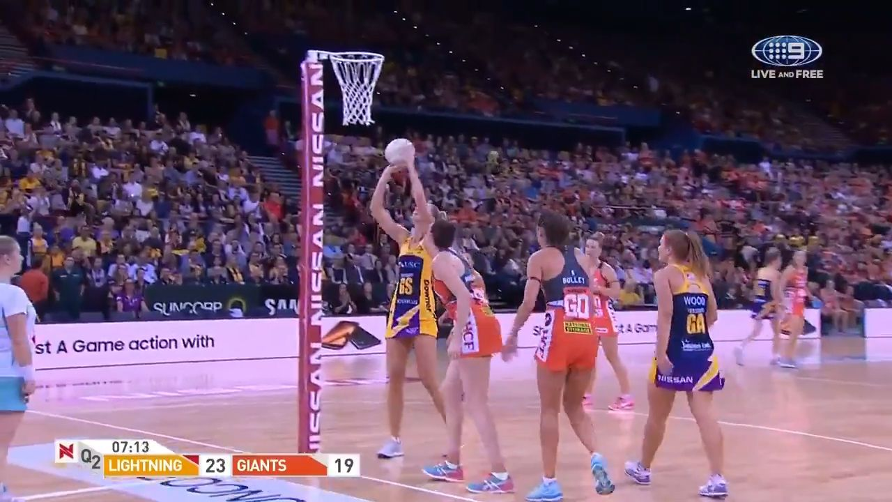 Lightning stretches lead in grand final