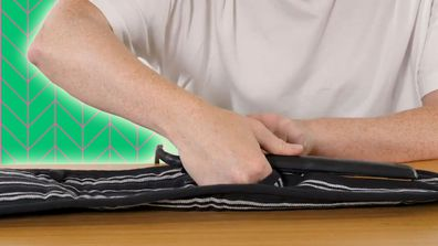 Oven mitt hair straightener packing hack