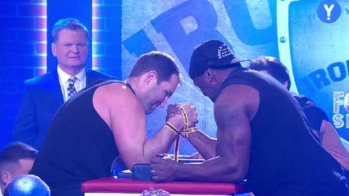 Ben Ross arm wrestles Wendell Sailor on the NRL Footy Show.