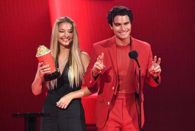 Madelyn Cline, Chase Stokes, kiss 2021 MTV Movie & TV Awards