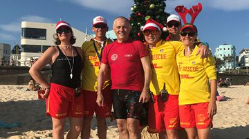 Malcolm Turnbull with North Bondi Life Savers. (9News)