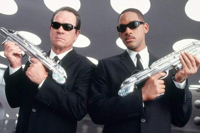 """Here come the Men In Black… After a ten-year absence, the MIB are suiting up and hitting theatres once more. This third instalment sees Agent J (Will Smith) paired up with a significantly younger Agent K (Josh Brolin) in a time-travel tale that appears too dangerously light on Tommy Lee Jones for our liking...<br/><br/><b><a target=""""_blank"""" href=""""http://yourmovies.com.au/movie/42650/men-in-black-iii-3d"""">*Vote for this movie on MovieBuzz</a></b>"""