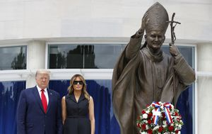 George Floyd protests LIVE: Trump visits shrine as US protests; Biden slams Trump over 'photo op'; 3000 at Sydney Black Lives Matter rally