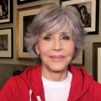 Jane Fonda debuts 'natural' grey hair on Ellen